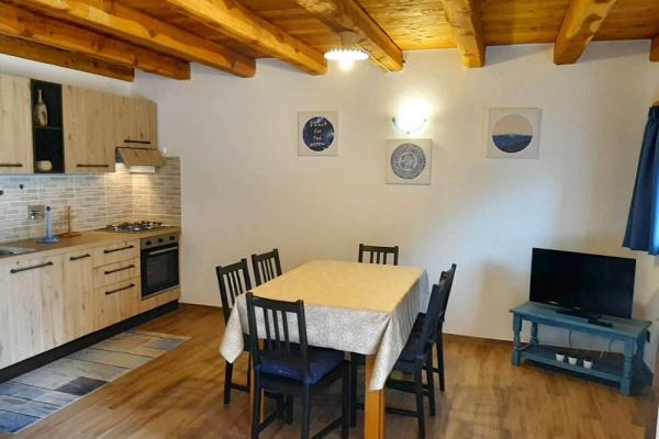 cucina293097FD8-3472-376E-0F0E-99B56BE21634.jpg